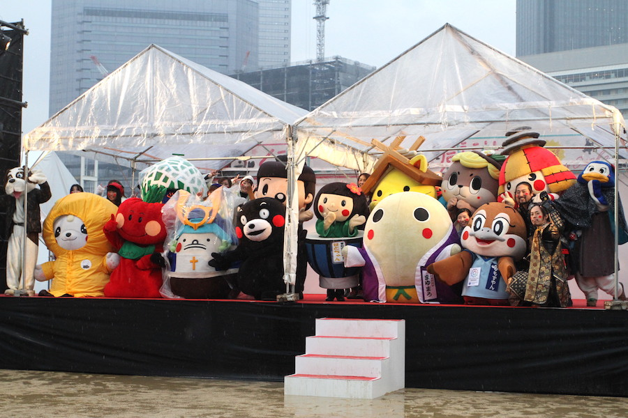 雨にも負けず大盛り上がり!「くまモンファン感謝祭2018 in OSAKA」