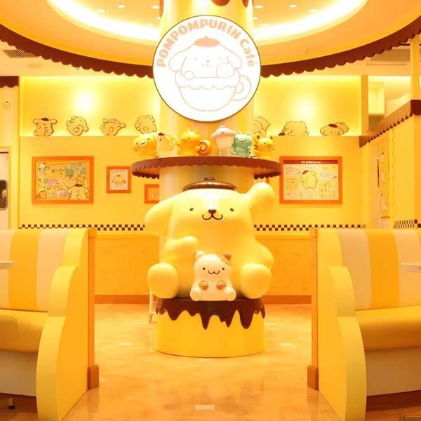 【ポムポムプリン】ドッグカメラのカフェ展示がスタート