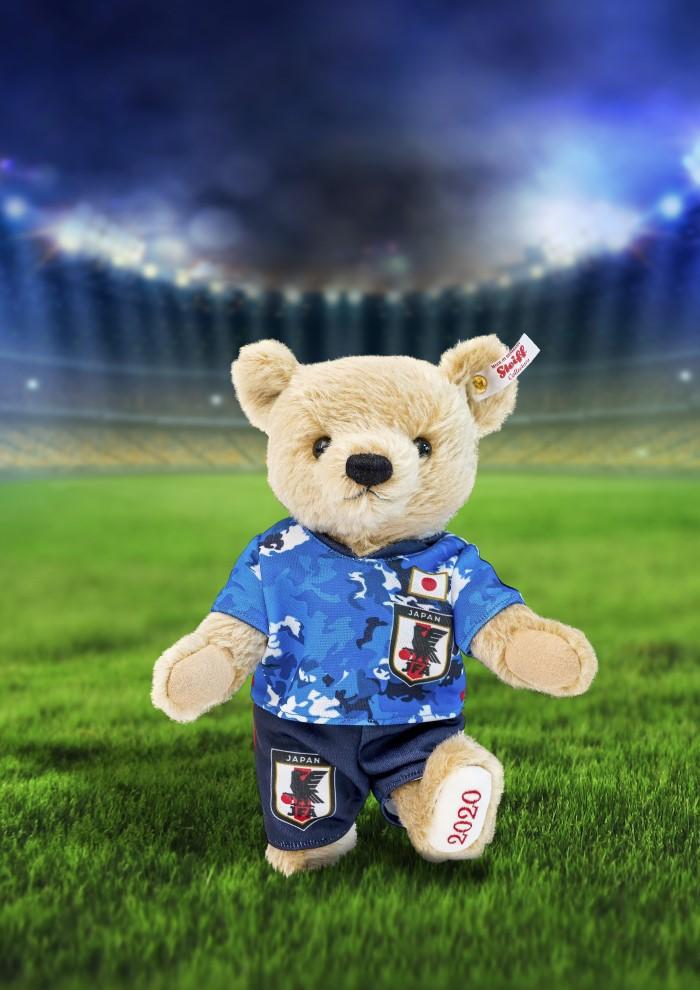 テディベアがSAMURAI BLUEのロゴを背負う!シュタイフ社からサッカー日本代表アイテムが登場!
