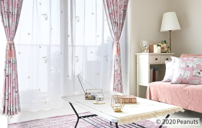 お部屋がスヌーピーでいっぱいに♡「PEANUTS」カーテン&クッションが発売中!