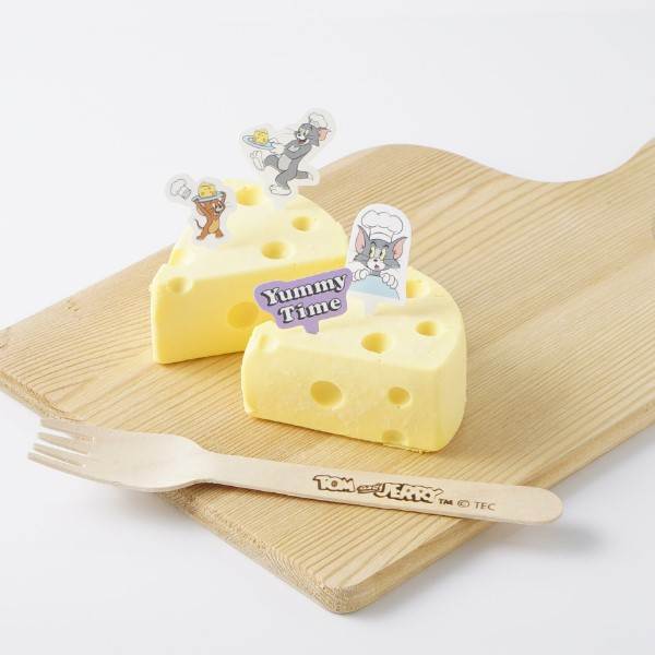 「トムとジェリー」穴あきチーズみたいなチーズケーキが発売!!