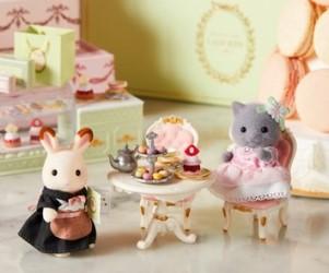 「シルバニアファミリー」×「ラデュレ」夢のコラボ!オリジナル人形をブティックで販売